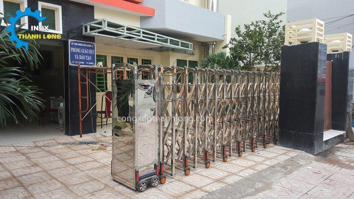 thi công lắp đặt cổng xếp tphcm